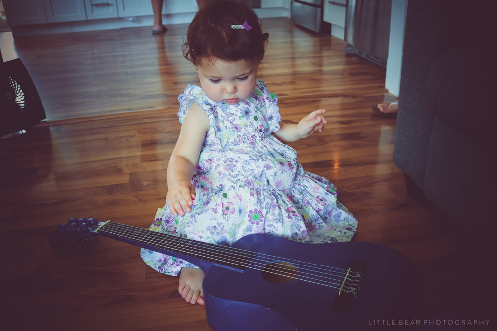 Little Miss And Her Blue Guitar