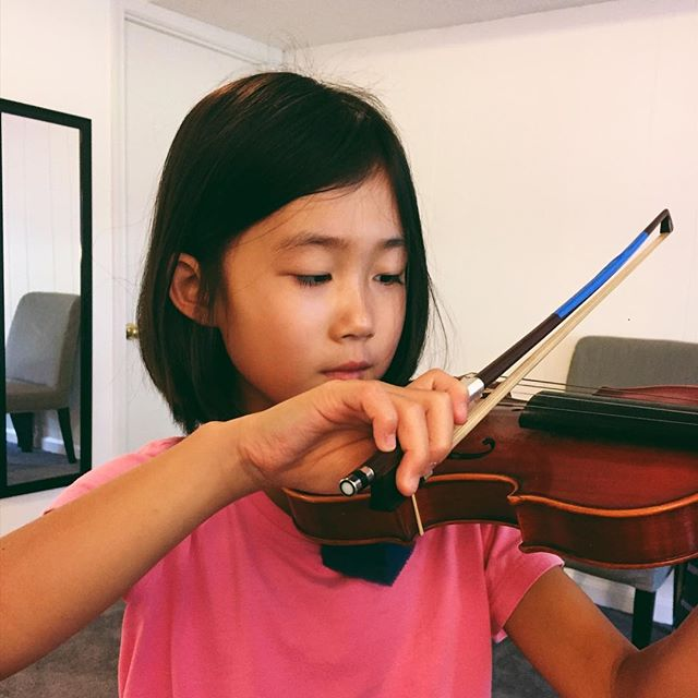 "Working on this beautiful bow hand to help Anna get her powerful ""tiger tone""! #violin #violinlessons #lifeisgreatin21228 #musiccitymaryland"
