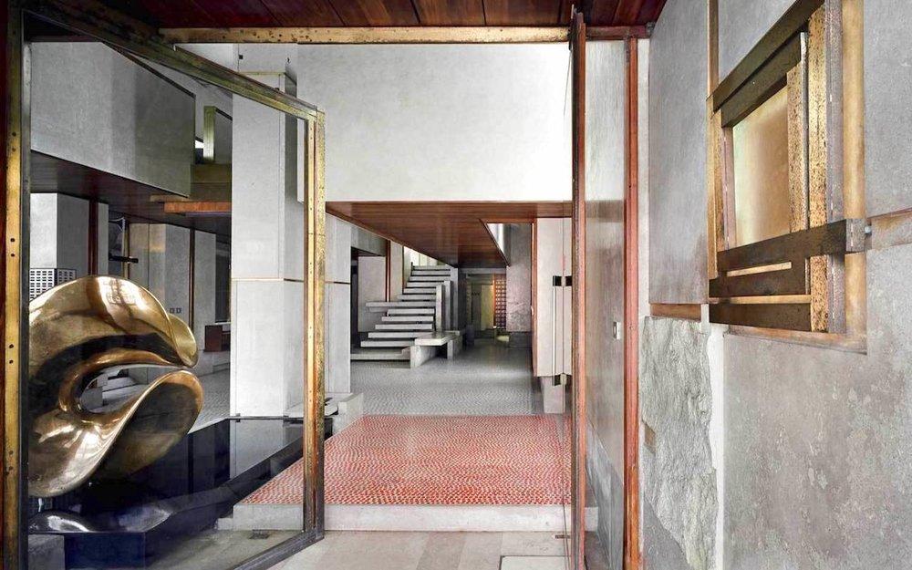 Olivetti-Showroom-Venice-Carlo-Scarpa-ph-Alessandra_Chemollo.jpg