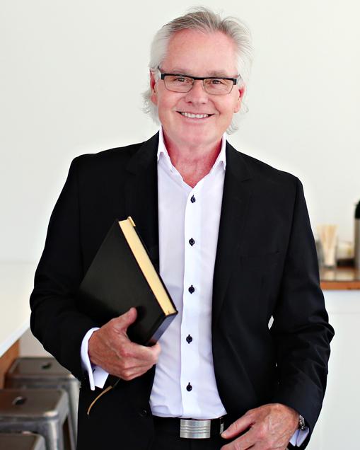 Michael Dubienski Bio