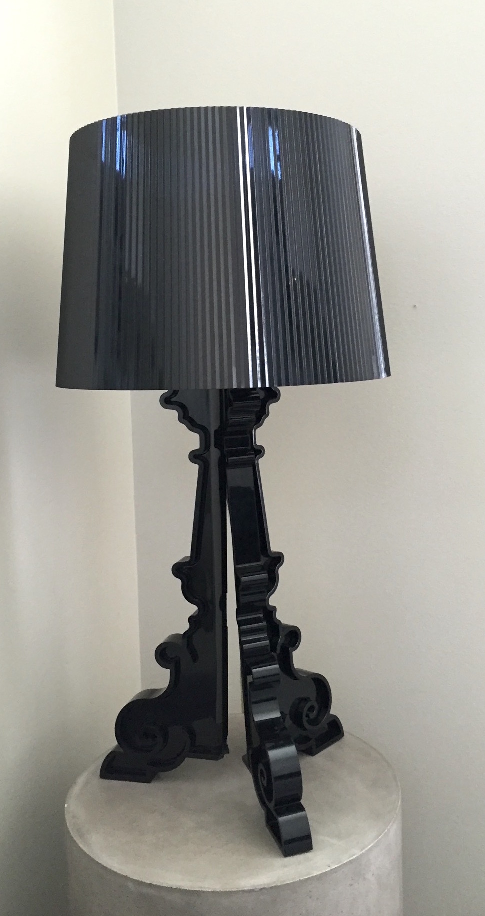 This lamp was sent from NYC to LA and arrived in one piece! Thank you Shyp. Also, thank you for the lamp, mom.