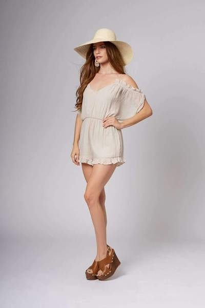 rompers-lo-seashell-off-the-shoulder-romper-2_grande.jpg