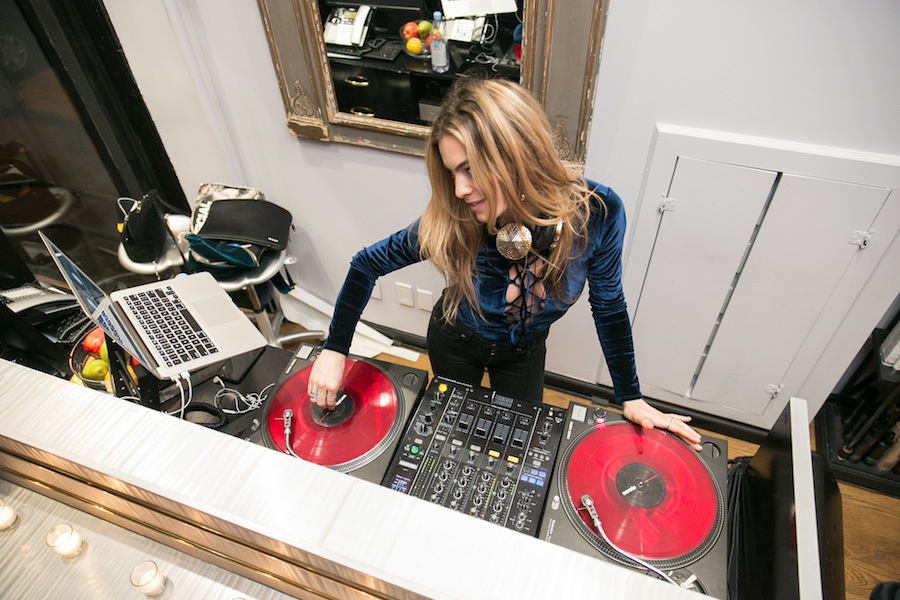 Gorgeous DJ at MLD Salon's exclusive grand opening