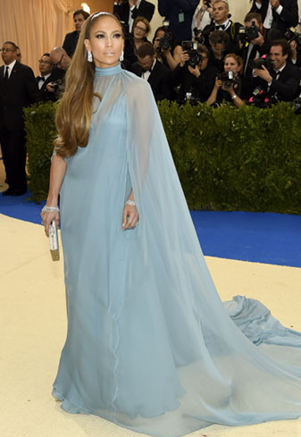 Red Carpet Round up -  J.Lo went for old style glamour and we approve. read more...
