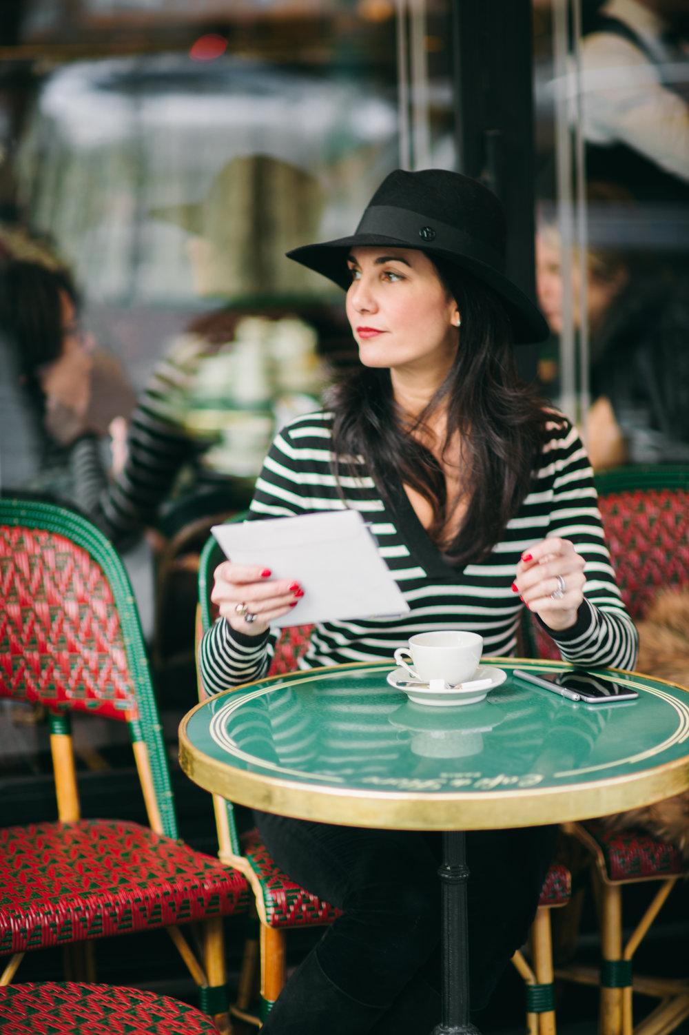 elisabeth-jones-hennessy-cafe-de-flore-paris-st-germain-01