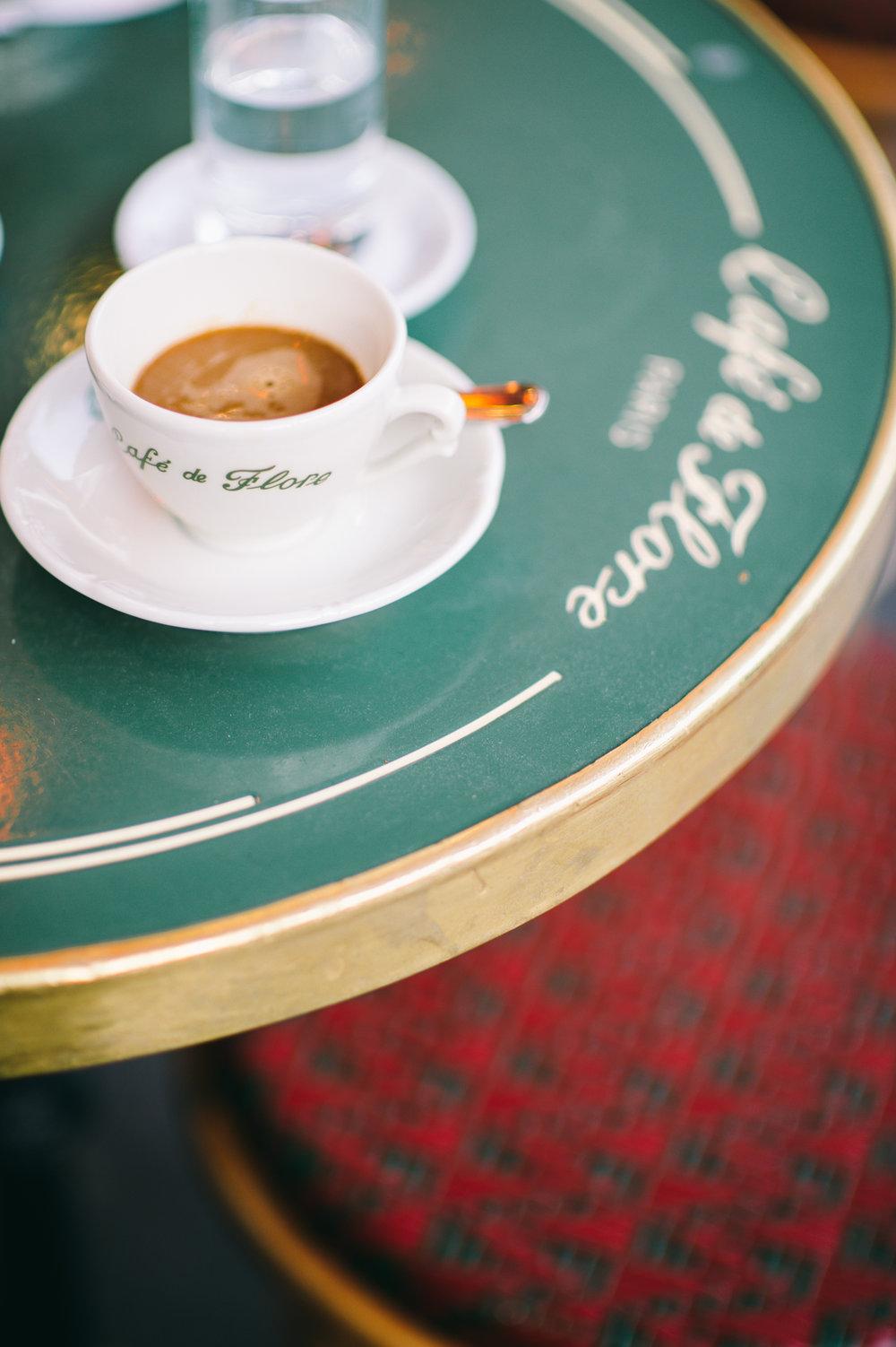 elisabeth-jones-hennessy-cafedeflore