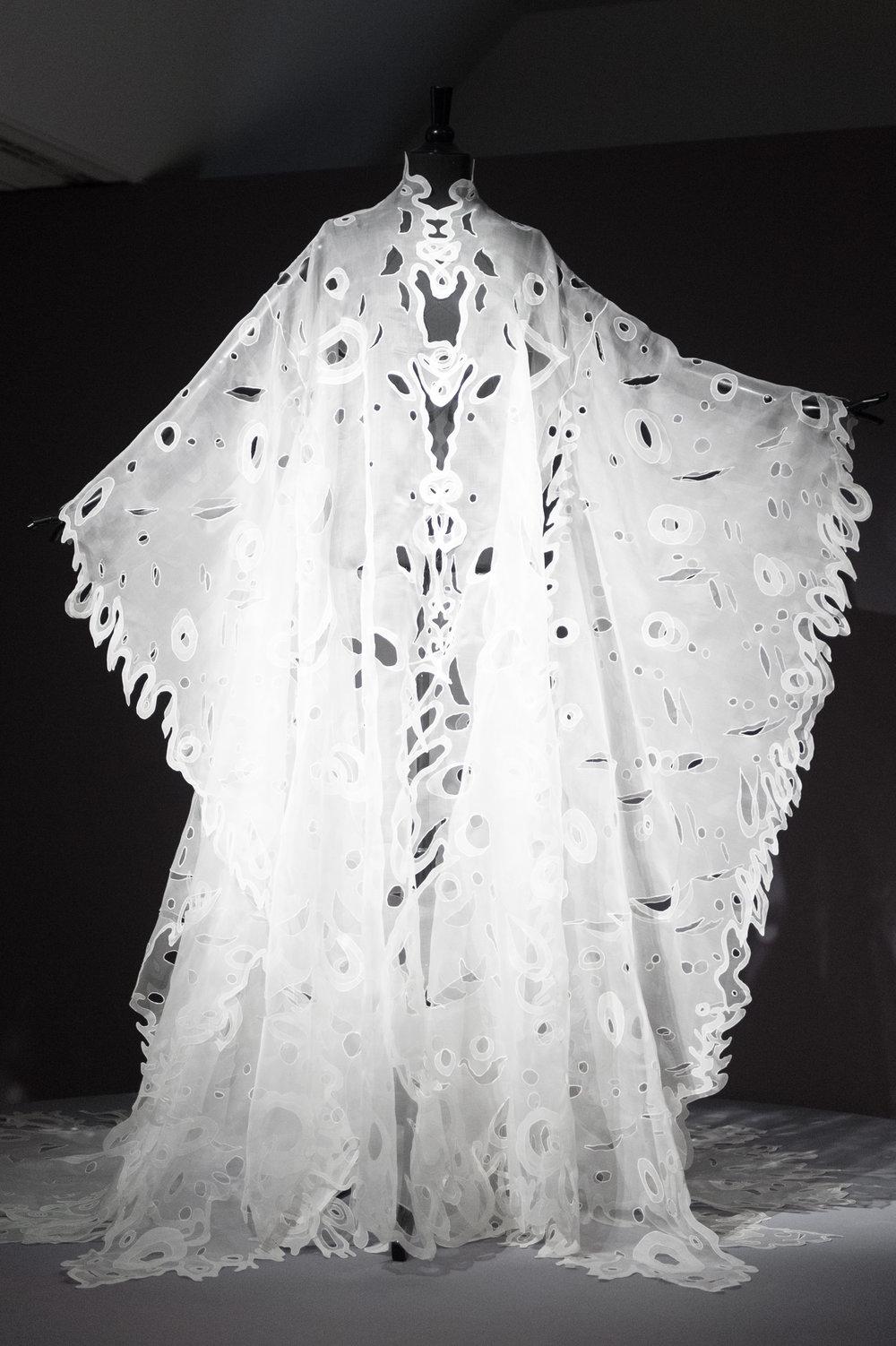 A stunning white kimono by Franck Sorbier