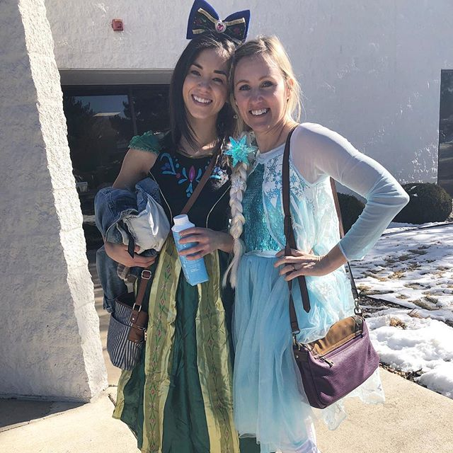 Nothing to see here, just two grown women wearing kids princess costumes. 😂👸🏼We are very committed to our work.  #momcon2019 #disney