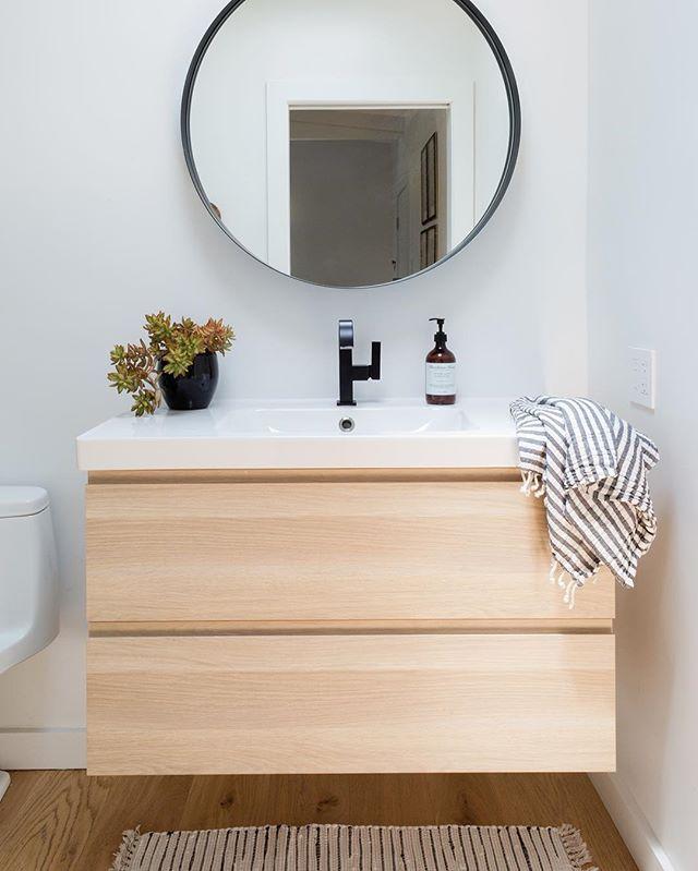 I got bathrooms on the mind 📸 @amybartlam #bathroomremodel #carlywatersstyle #clientmemyselfandi #HomeWithRue #SMmakelifebeautiful #sodomino #mydomaine