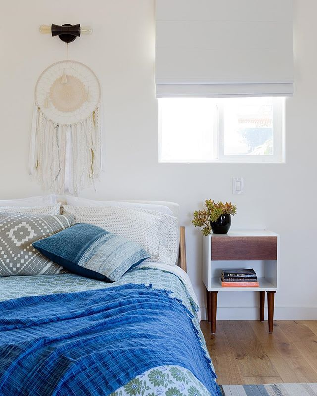 Blue is the new black 📸 @amybartlam #laliving #designinspo #carlywatersstyle #bedroom #interiors #interiordesign #clientmemyselfandi #simplystyleyourspace #SOdomino #mydomaine #HomeWithRue #smpliving  #ShowEmYourSTYLED #styled @em_henderson