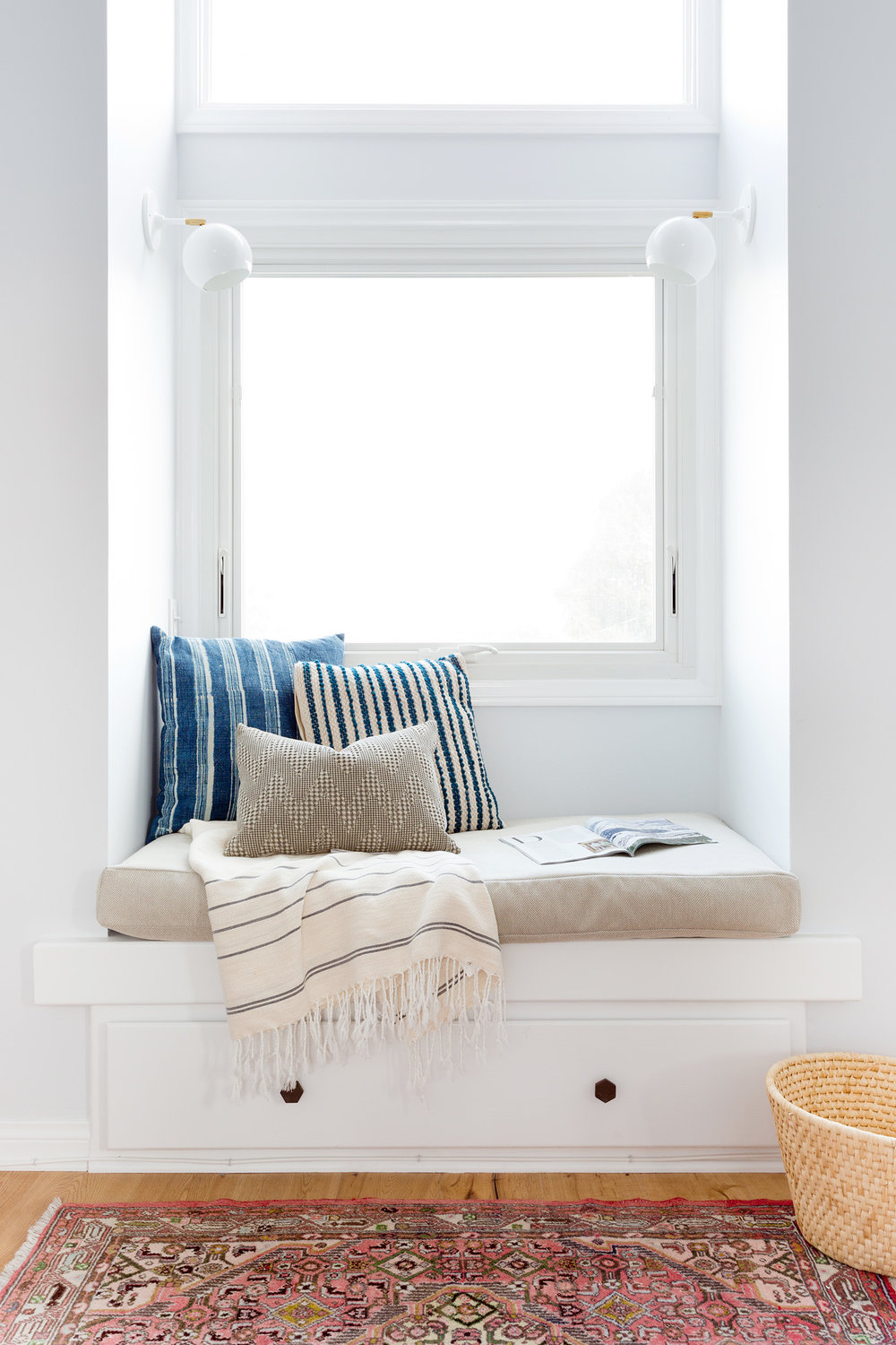 Bright & white reading nook design by Carly Waters Style