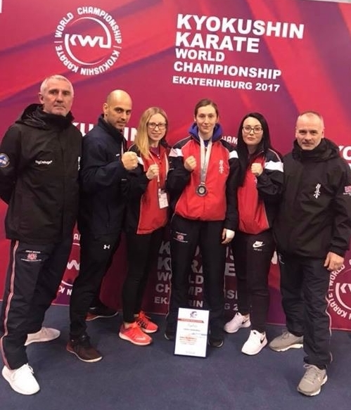 Team GB (L-R): Graham Warden (Head Coach), Gabriel Barbu, Haley-Beth Rowlands, Emma Markwell, Lisa-Marie Heath, Roger Styles (coach)