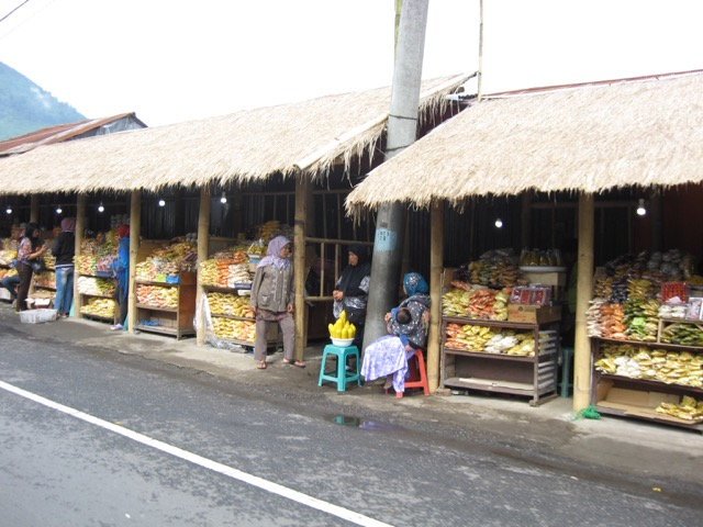 Street markets in Bedugul