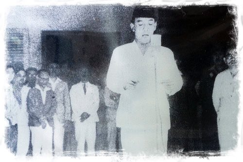 Soekarno Declaring Independence on August 17th, 1949
