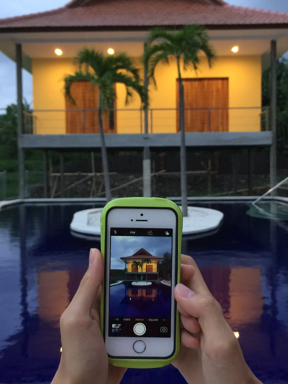 Swimming Pool at Your Fingertips