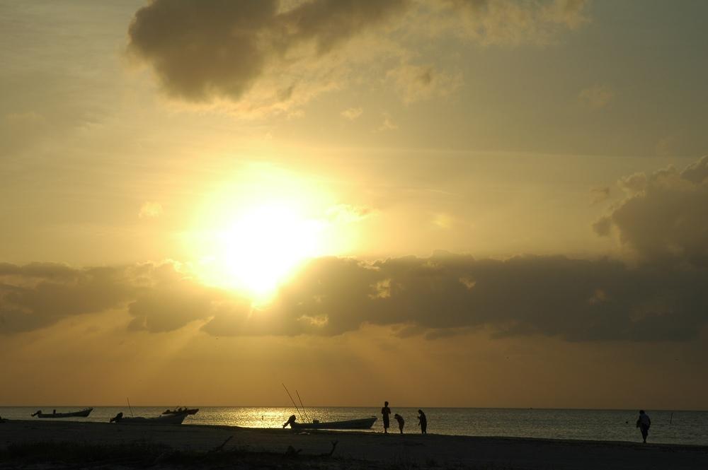 holbox sunset.jpg