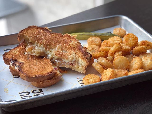 The French Onion + Tots from GCDC • Toasting National Grilled Cheese Day with a throwback to this cheesy goodness—gruyere and caramelized onions on challah 🙌🏻 • I ate my way through DC recently and am ready to share some of my faves with you—let me know if you like what you see and remember to follow me for more delicious eats!