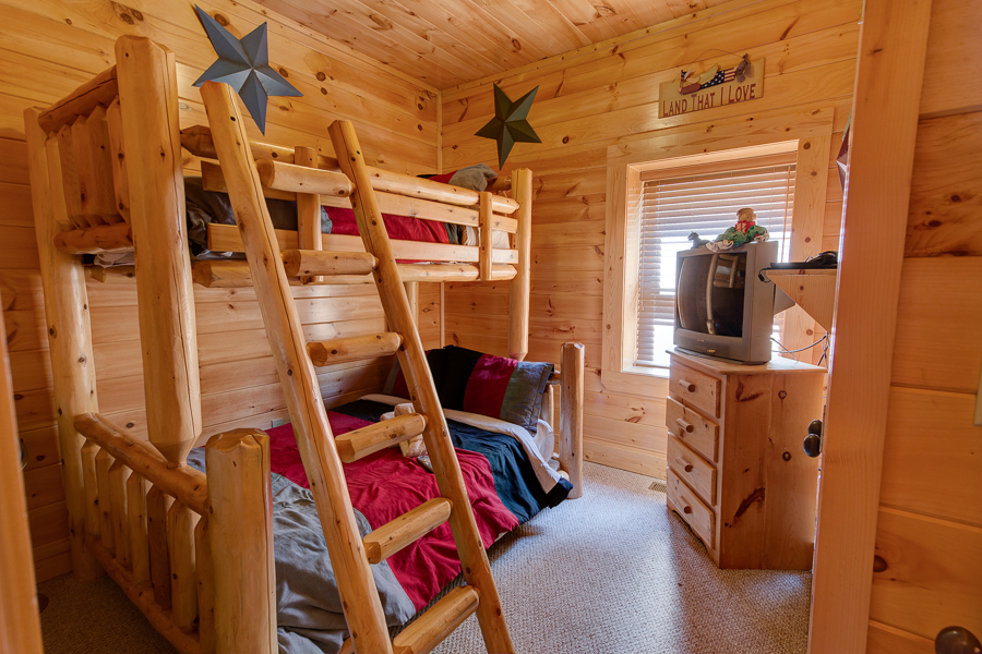 Cabin PDF-14.jpg