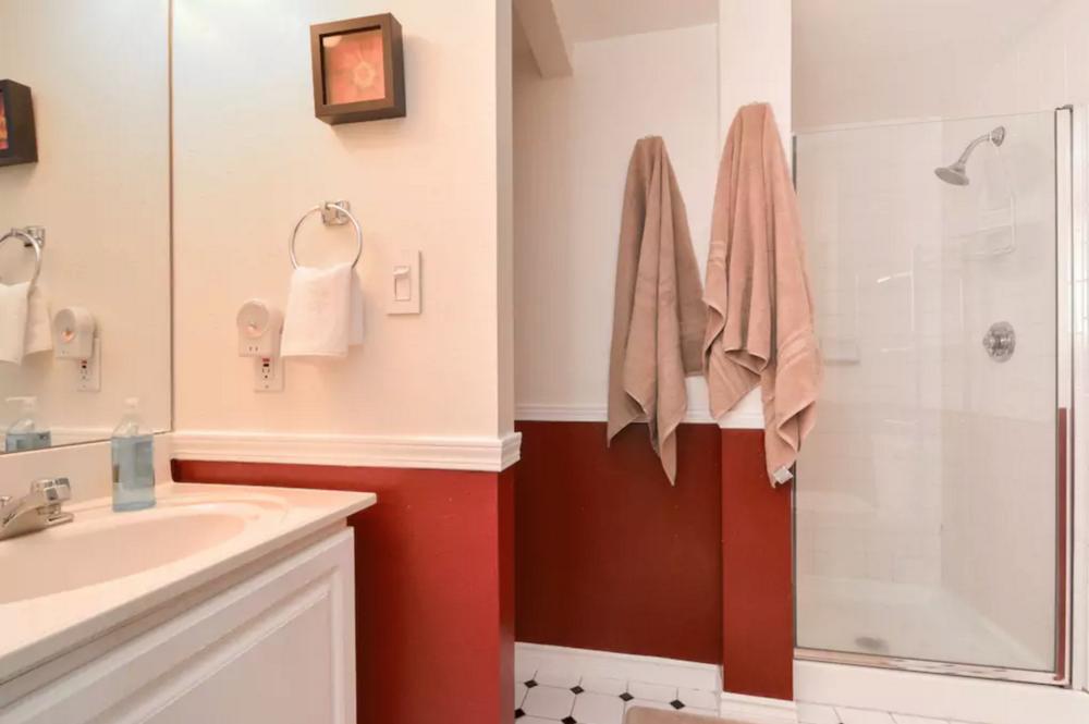 1307 Bathroom