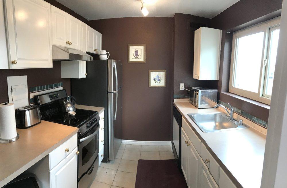 1211 Kitchen