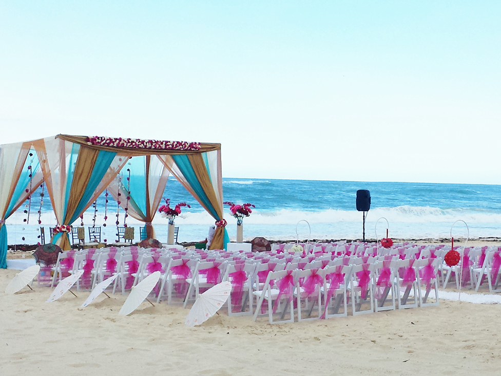 Photo Credit: Wedding Setup at Hard Rock Hotel & Casino Punta Cana, allinclusivehotelweddings.com