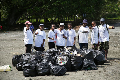 Youths clean-up Sipaia Beach - June 19, 2018 - It was all about beating plastic pollution as more than 100 people turned up at Sipaia Beach...