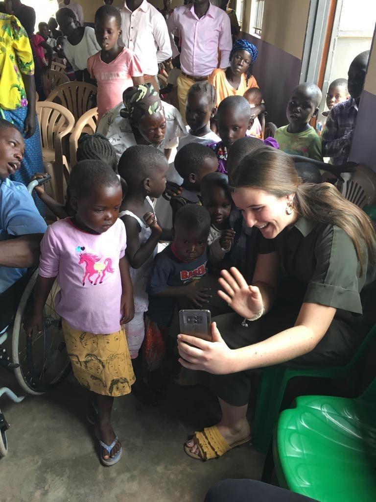 AIC baut schule in Uganda - 01.jpg