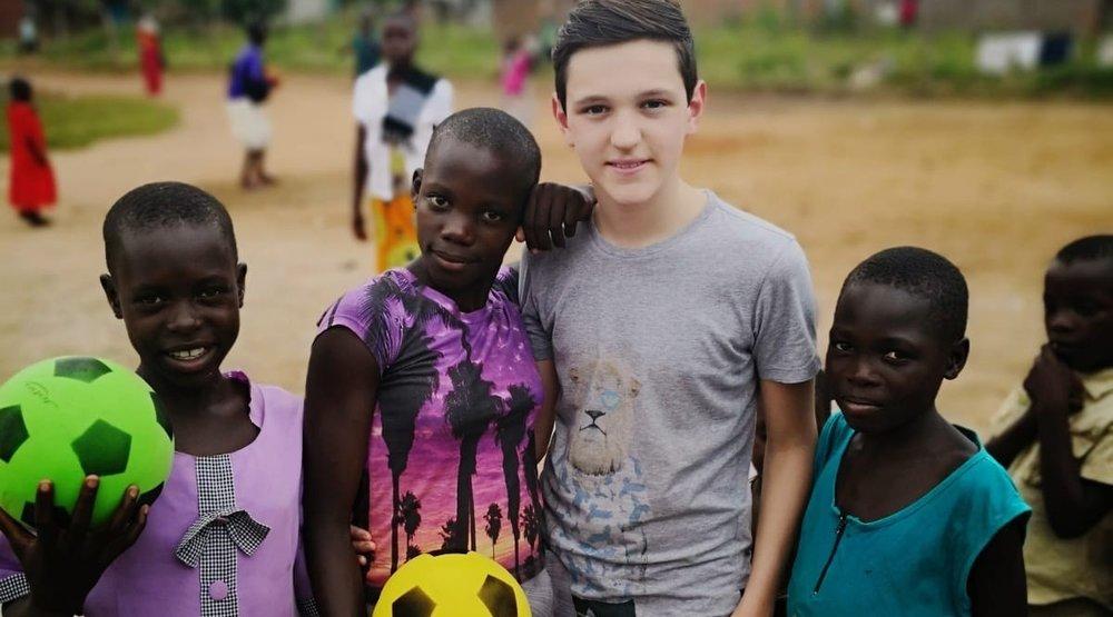 AIC baut schule in Uganda - 04b.jpg