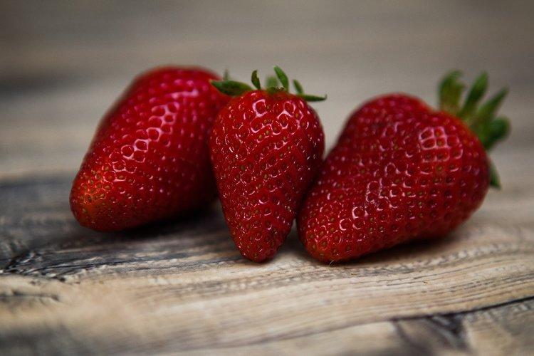 strawberries-1354784_1920.jpg