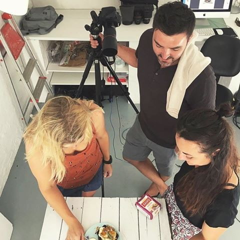 Repost from @henk_hattingh  BTS yesterday with @sarahdallfoodstyling and @henk_hattingh for @jupitercapetown @sasko_sa recipe cards shoot with the new SASKO packaging!  #sasko #foodstyling #foodphotography #food #bts #behindthescenes #baking #packaging #cooking