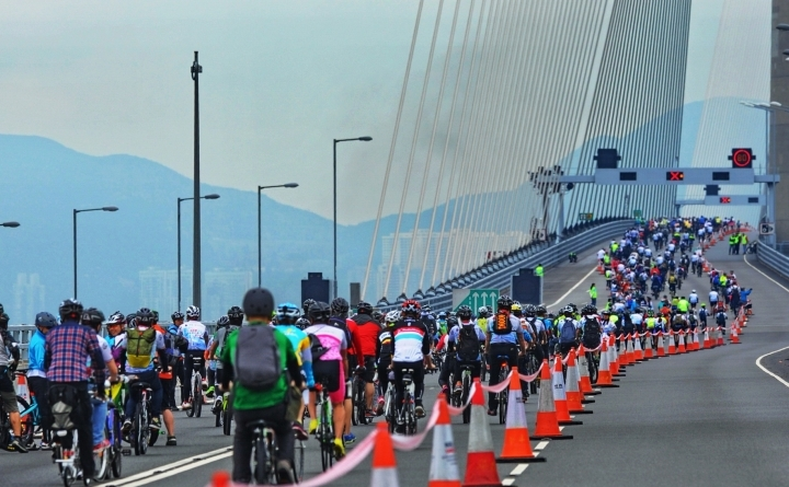E-GO MOBILITY SUPPLIES RENTAL PTT SYSTEM TO CYCLE FOR MILLIONS   On March 5th, the Cycle for Millions charity event brought out large crowds to the Stonecutters Bridge area. The event is held every year mainly to raise funds for Pok Oi Hospital's largest nursing and residential care home in Hong Kong and to promote cycling in the Hong Kong community.