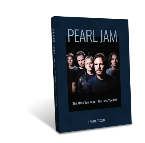 PEARL JAM book by Henrik Tuxen_cover.jpg