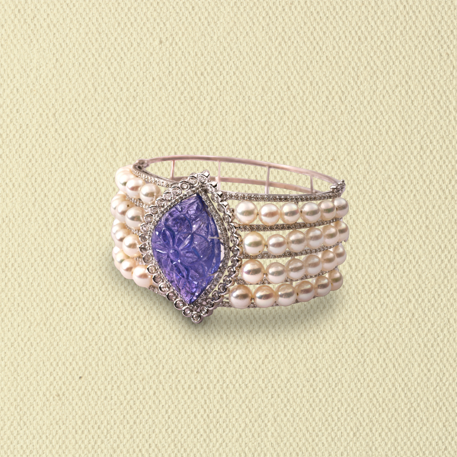 CARVED TANZANITE, DIAMOND & PEARL CUFF