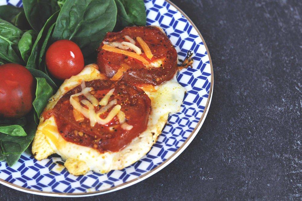 pollo tomate y queso adelgazar