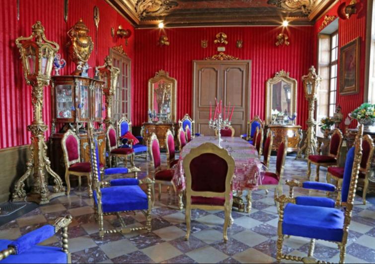 French Paris Chateau 4.PNG