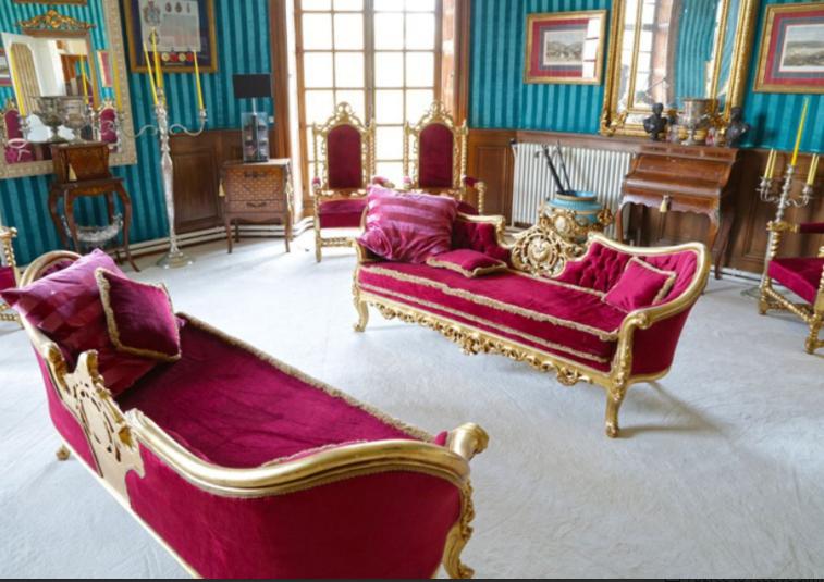 French Paris Chateau 5.PNG