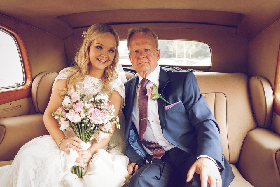 Wicklow_Wedding_Photographer_Druids_Glen_040.jpg