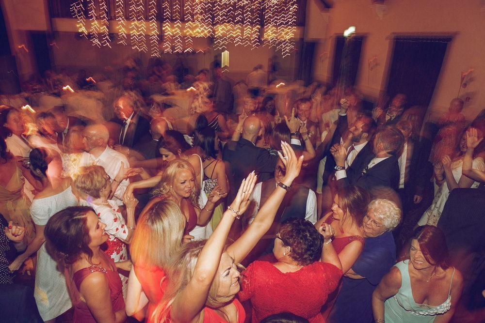 Brooklodge-wicklow-wedding-photographer_150.jpg