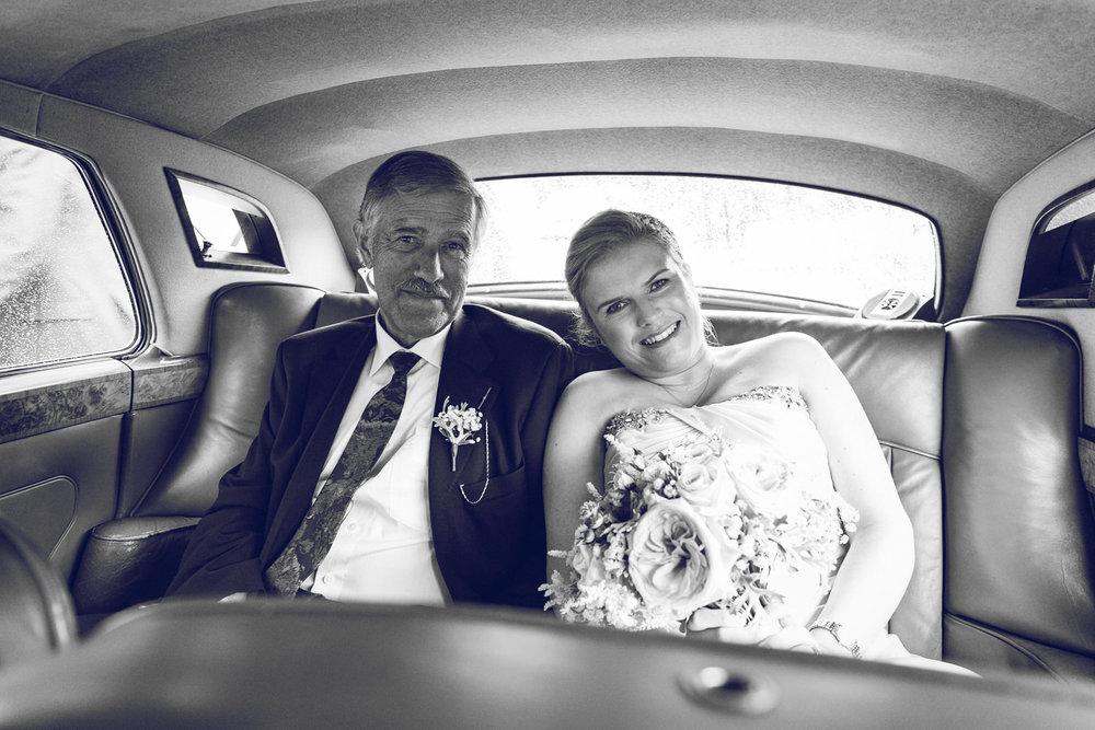 Dublin-Wedding-photographer-roger-kenny_035.jpg