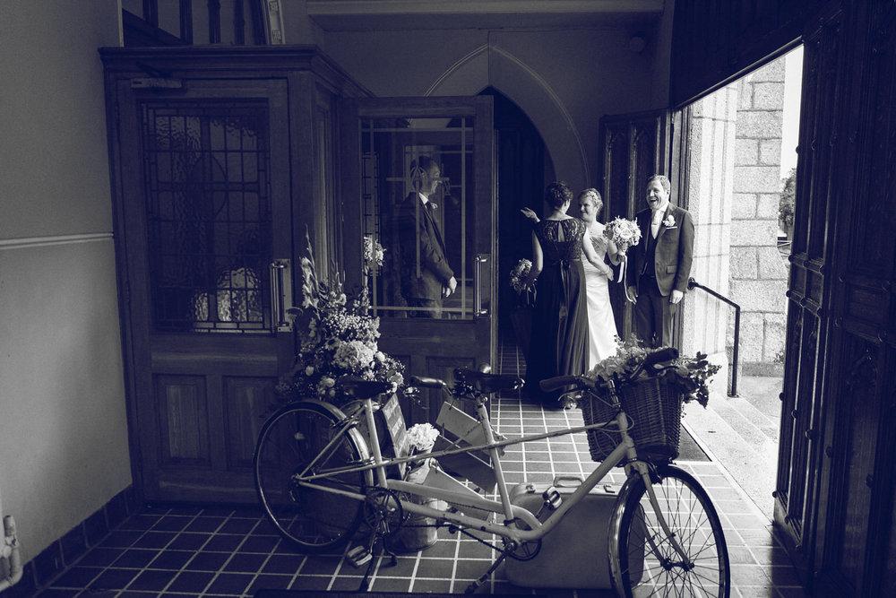 Dublin-Wedding-photographer-roger-kenny_048.jpg