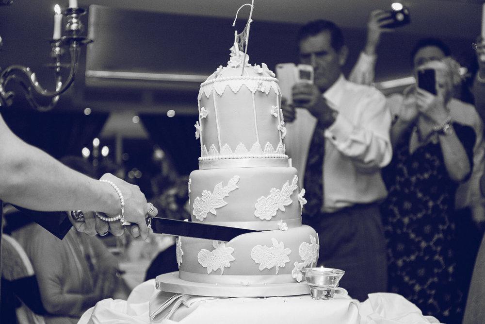 Dublin-Wedding-photographer-roger-kenny_085.jpg