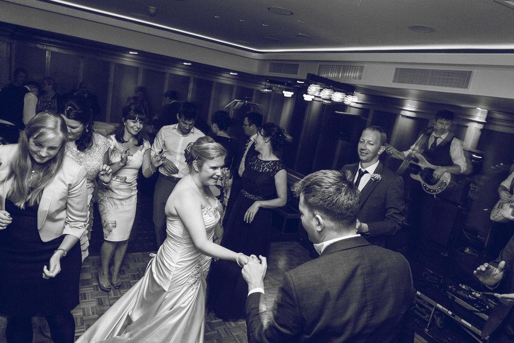 Dublin-Wedding-photographer-roger-kenny_094.jpg