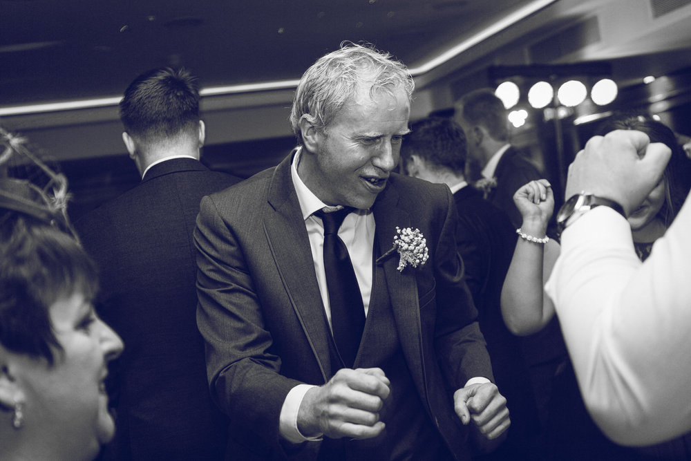 Dublin-Wedding-photographer-roger-kenny_096.jpg