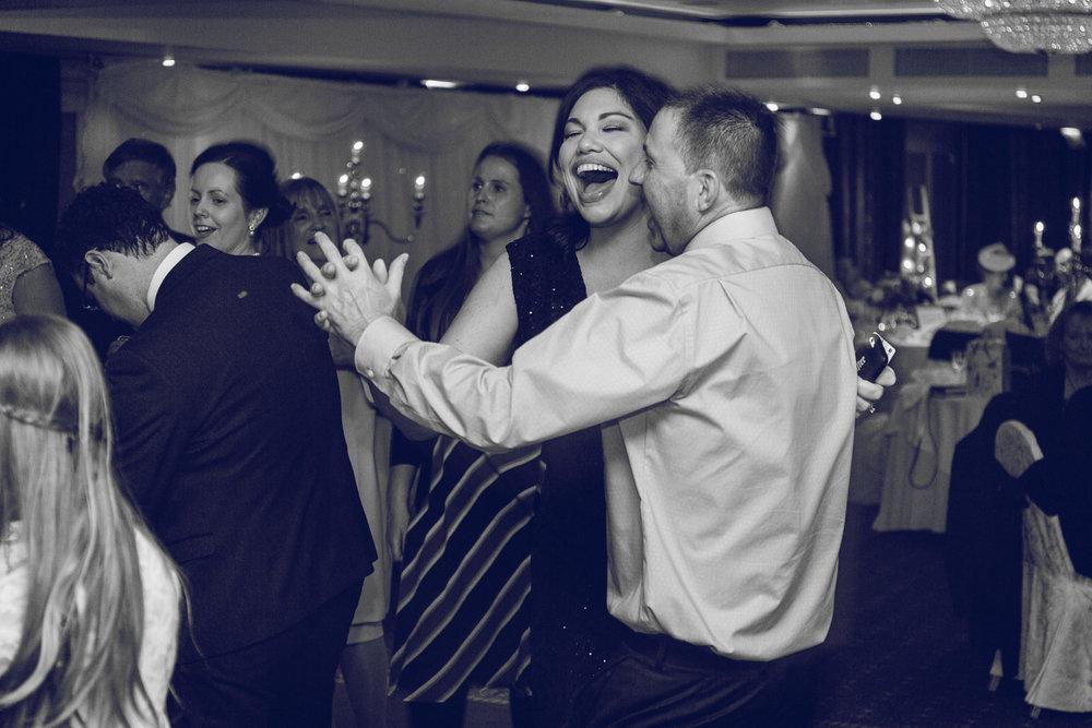 Dublin-Wedding-photographer-roger-kenny_099.jpg