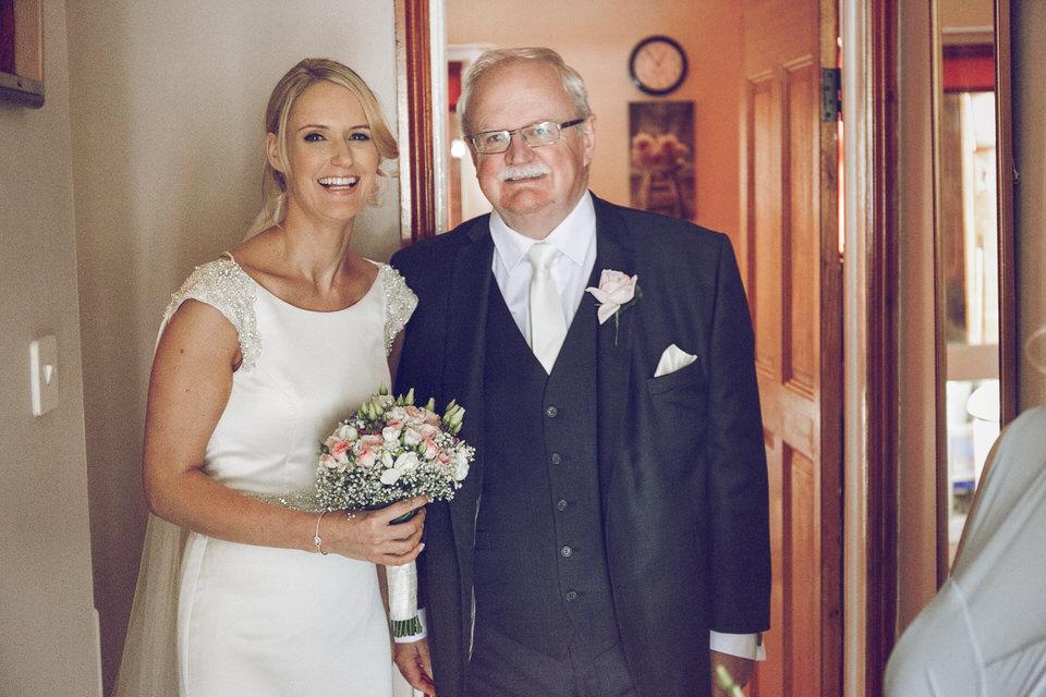 Dublin-Wedding-photographer-roger-kenny_Rathsallagh_017.jpg