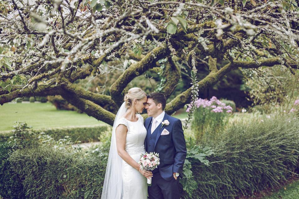 Dublin-Wedding-photographer-roger-kenny_Rathsallagh_038.jpg