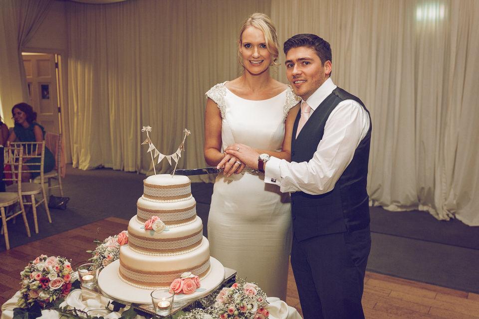 Dublin-Wedding-photographer-roger-kenny_Rathsallagh_076.jpg