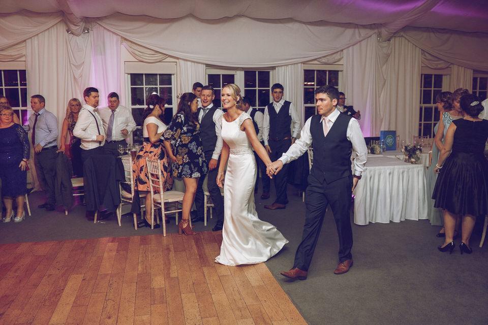 Dublin-Wedding-photographer-roger-kenny_Rathsallagh_077.jpg