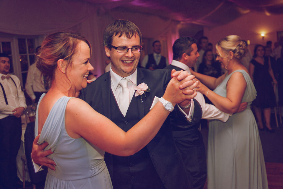 Dublin-Wedding-photographer-roger-kenny_Rathsallagh_081.jpg
