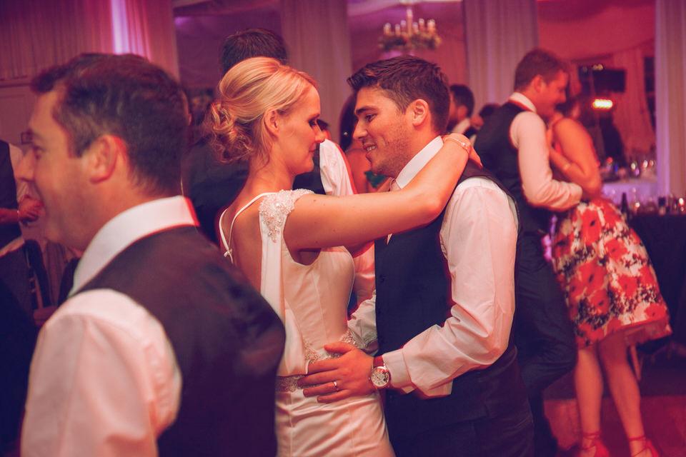 Dublin-Wedding-photographer-roger-kenny_Rathsallagh_087.jpg